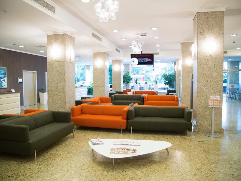 Clinique DUNYAGOZ ETILER Istanbul photo2
