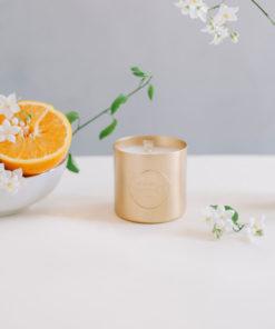Idée cadeau personnalisable? Nos Bougie parfumée à la Fleur d'Oranger avec une cire 100% végan fabriquée en France, fragrances de Grassoisse